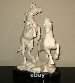 1976 Boehm Porcelain HORSE Sculpture 5005 AMERICAN MUSTANGS Malvern England