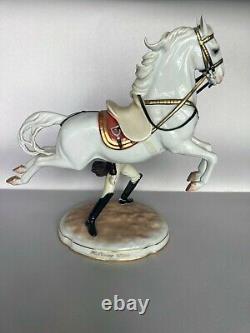 Capriole Augarten Vienna Spanish Horse Riding School Lipizzaner