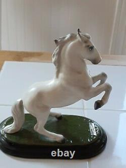 DW Hagen Renaker Lippizan vintage horse Designers Workshop, ceramic, Monrovia