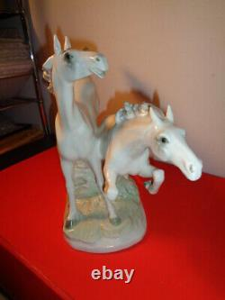 Hutschenreuther Signed Freedom Galloping Porcelain Horses Sculpture (16 X 12)