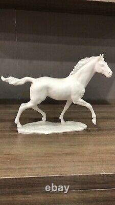 Large Porcelain Bisque Hutschenreuther Figurine Horse Jazda C. Werner