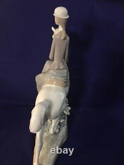 Lladro Female Equestrian Lady On Horse #4516 Mint withBox Retired