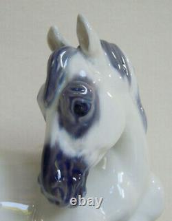 ROYAL COPENHAGEN Pferd Pony Lippizaner 5690 Jeanne Grut PORCELAIN FIGURINE HORSE