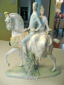 Rare Lladro Valencian's Group Figurine Of a Couple on a Horse 17.5T