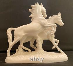 Vintage Goebel White Bisque Porcelain 2 Galloping Horses Figurine # 3232 1977