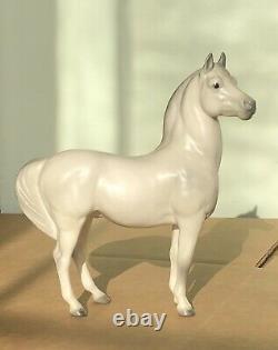 Vintage Hagen Renaker Maureen Love White Arabian Stallion #707 Porcelain Figure